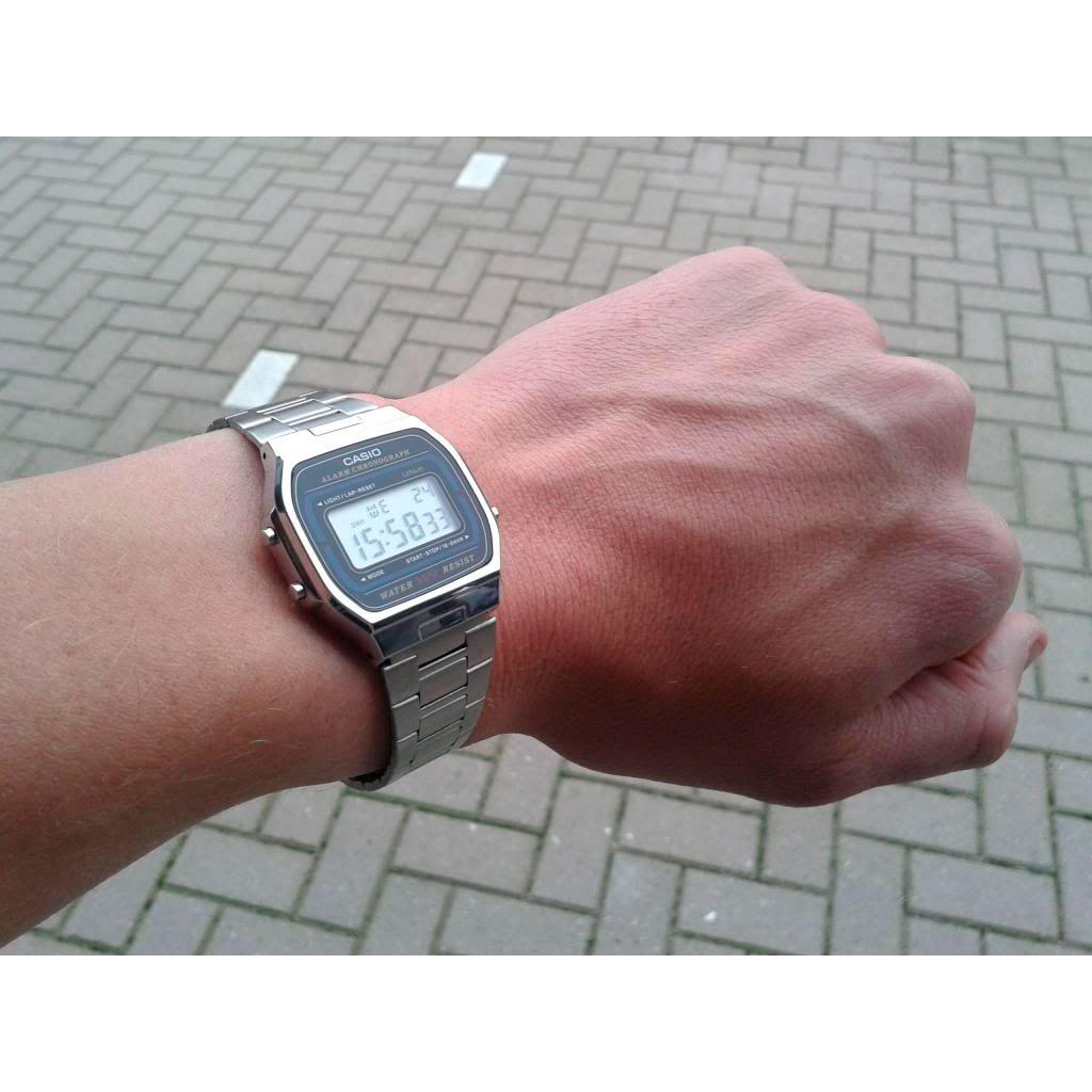 Часы Casio A-164WA-1 Часы Movado 0607022-m