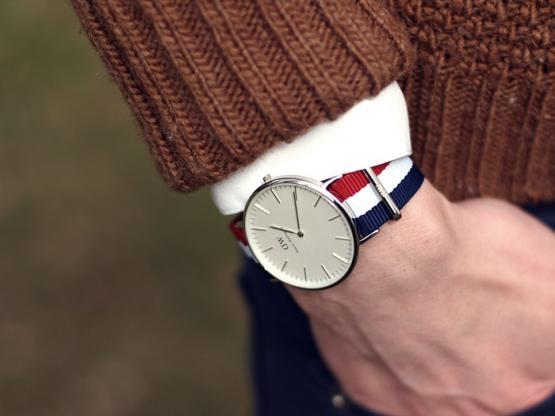 юностью daniel wellington часы купить стиле спорт Для